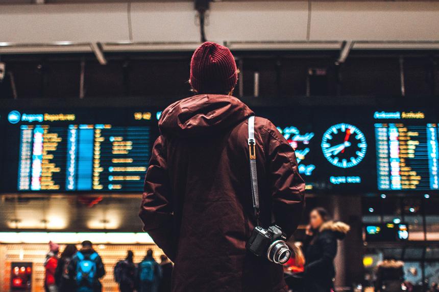 バイリンガル探偵と空港