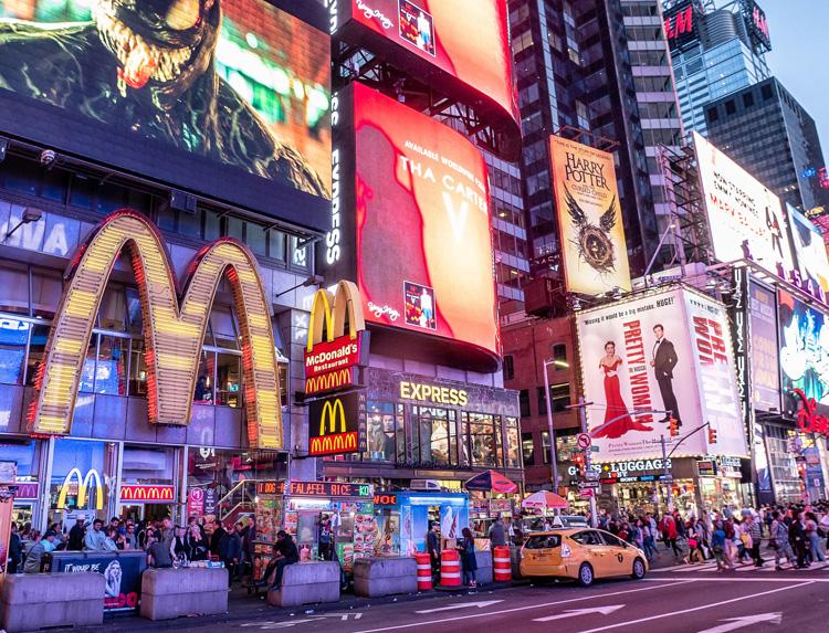 ニューヨークの繁華街